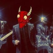 Сатана Печёт Блины